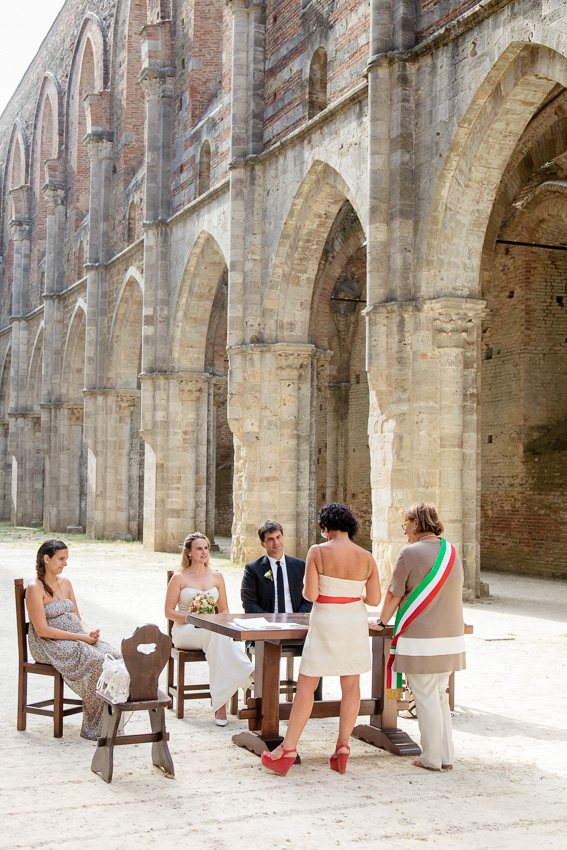 Witnesses of a Tuscan wedding