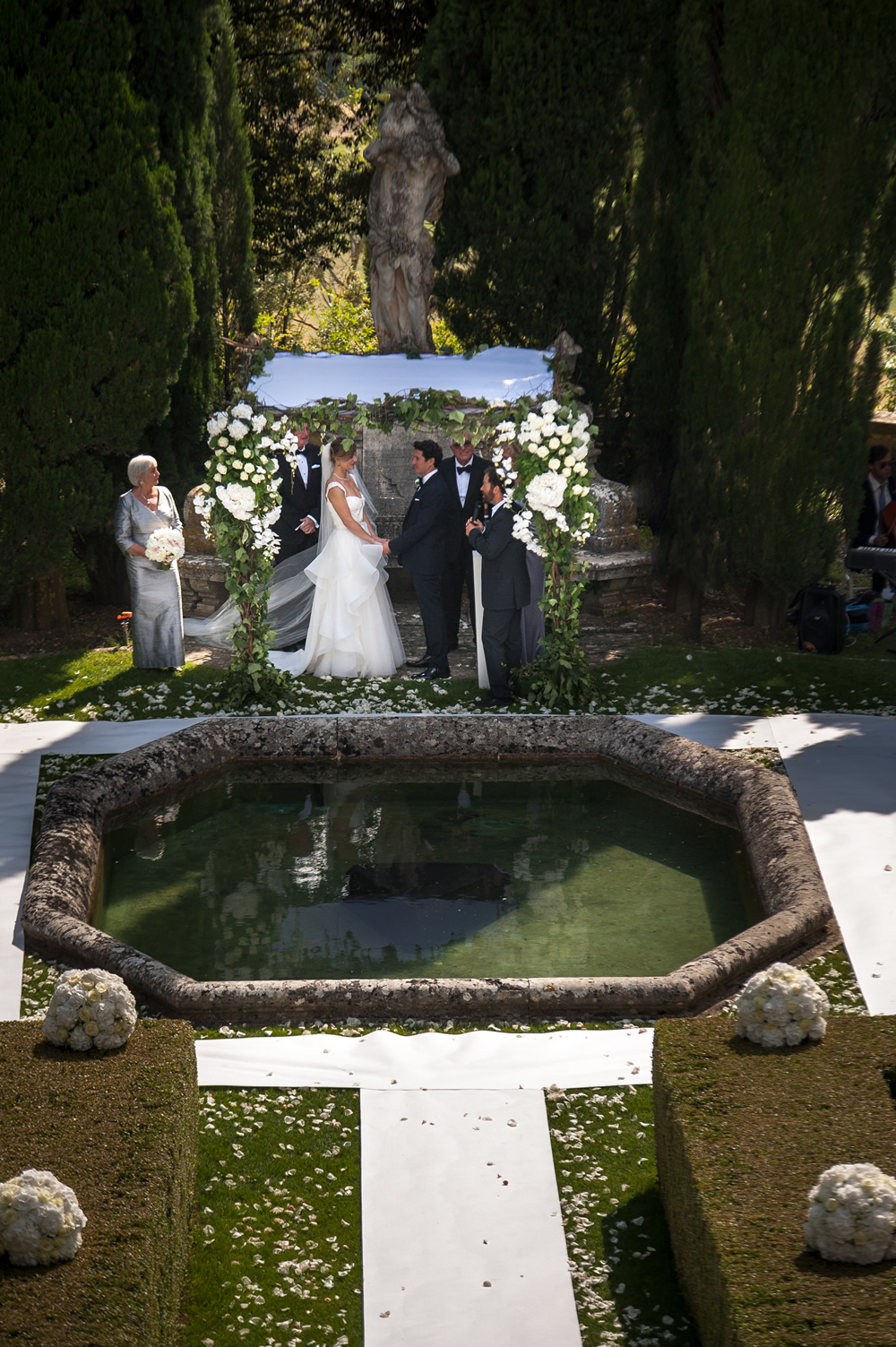 Chuppah for weddings in Tuscany